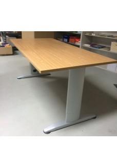 Gebruikt  bureau hoogte verstelbaar 160 x 80
